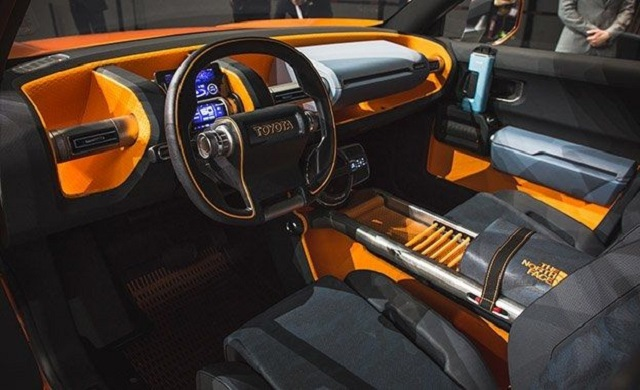 2018 Toyota FT-4X Concept cabin
