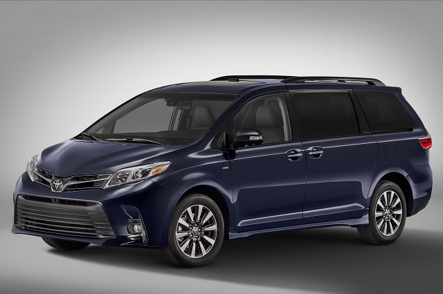 2018 Toyota Sienna side