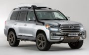 2018 Toyota Land Cruiser front