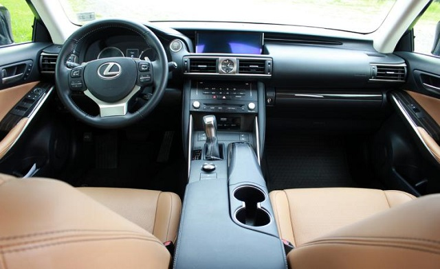 2019 Lexus IS cabin