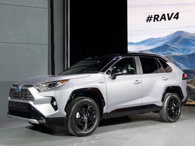 2019 Toyota Rav4 Hybrid Interior Mpg Review Toyota Wheels