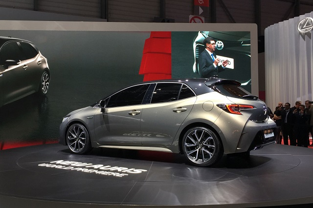2019 Toyota Auris Hybrid rear