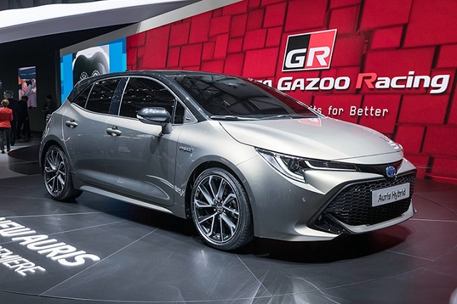 2020 Toyota Auris Hybrid side