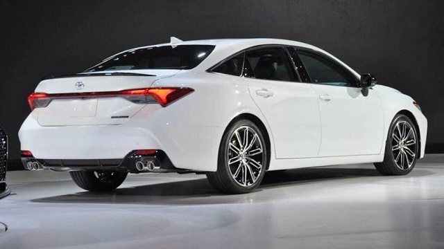 2020 Toyota Avalon Hybrid rear